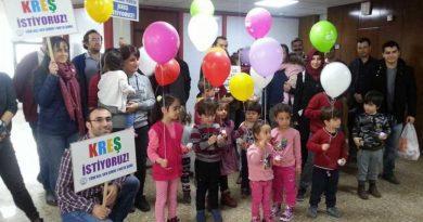 Evrensel: İzmir Büyükşehir Belediyesinde kreş için kollar sıvandı